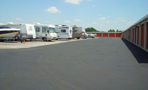Large RV storage parking spots for rent